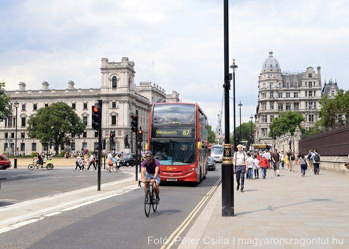Anglia London költözés