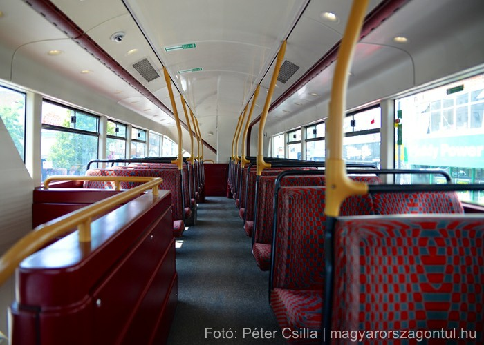Anglia London piros busz