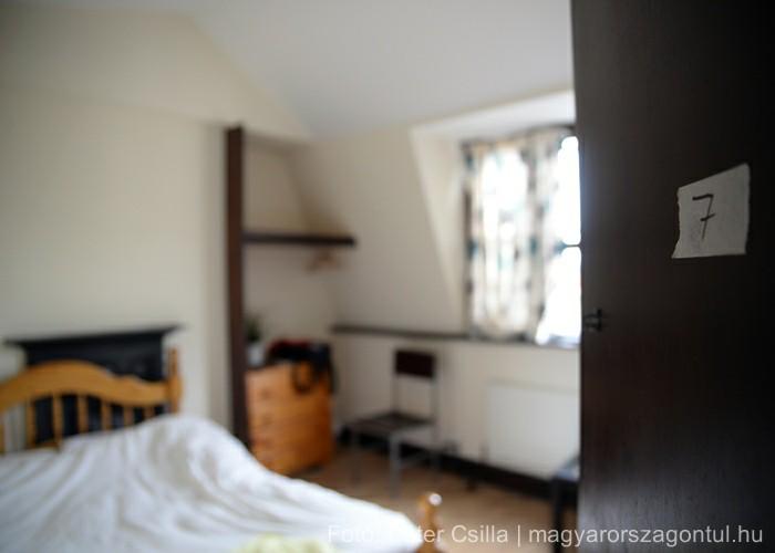 Költözés üres szoba