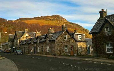 Egy aprócska skót falu a hegyek között