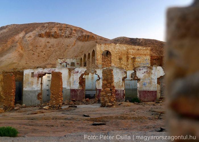 Szellemváros sivatag romok