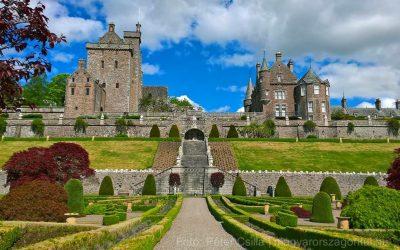 Gyönyörűen pompázik Skócia legszebb kertje