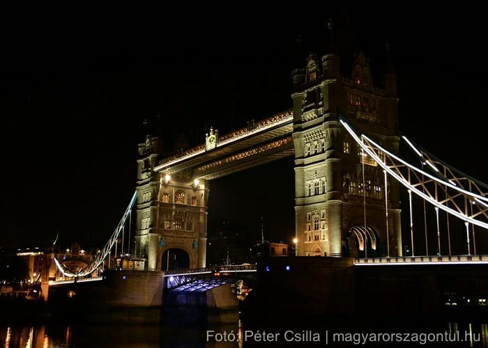 London éjszaka Tower Bridge