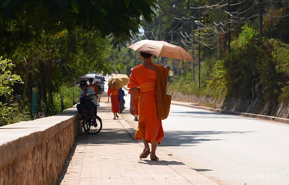 Laosz Luang Prabang szerzetes index