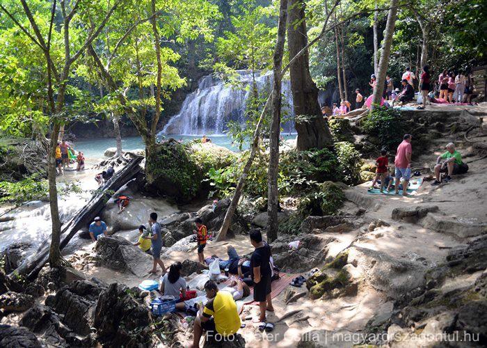 Kanchanaburi Erawan vízesés