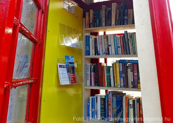 Könyvcserélő telefonfülke Skócia