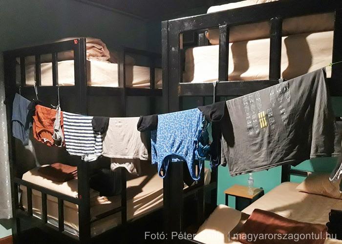 Szárítás hostel ruhák