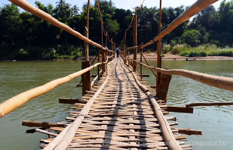 Magyarországon túl - Laosz bambuszhíd Luang Prabang index