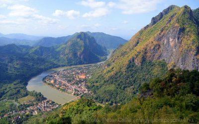 Nong Khiaw: egy festői falu a hegyek ölelésében