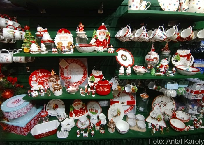 Karácsonyi falu díszek bolt