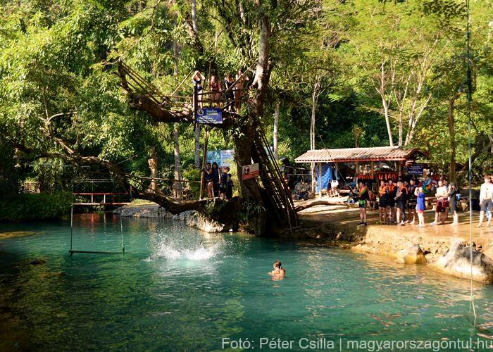 Laosz Vang Vieng lagúna