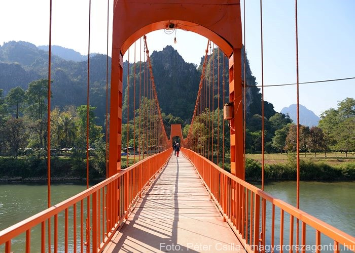 Laosz Orange híd